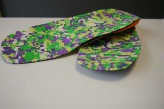 kolorowe wkładki do butów