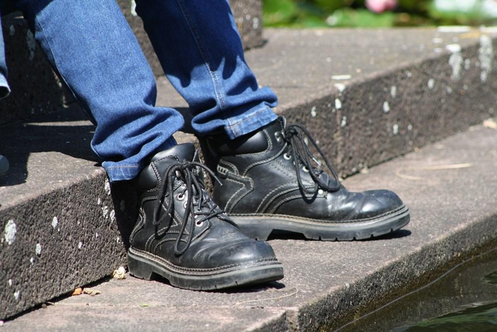 Jak chronić stopę wobuwiu roboczym?